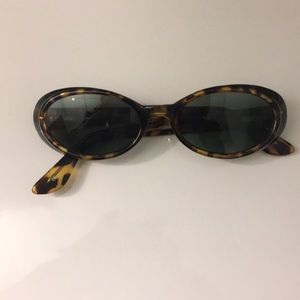 FOSSIL sunglasses with vintage case